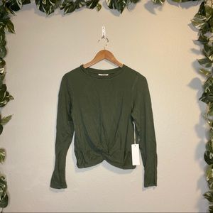 🆕Ivoire Front Twist Long Sleeve Top Green NWT